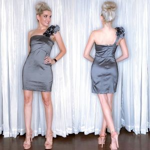 Metallic some Shoulder Cocktail Dress